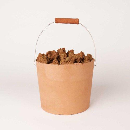 11_Novak_Rosa_clay-bucket.jpg