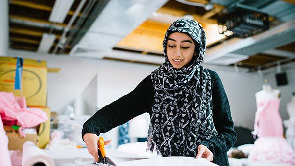 Pre-college fashion student working in the pattern making studio_feature_MB