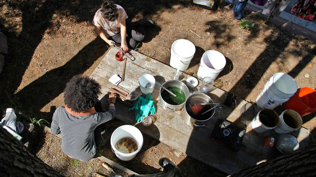 Textile students boil natural plants and herbs to make dyes in the CCA garden_horizontal feature_MB