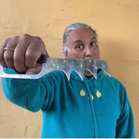Arthur Gonzalez's meat-puller.