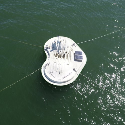 Top view of CCA Float Lab prototype in the San Francisco Bay.