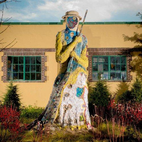 Joyce J. Scott (b. 1948, American) Graffiti Harriet, 2017 Soil, clay, straw, resin gun with beads, found objects. Dimensions variable.