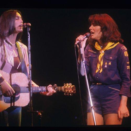 Linda Ronstadt and Emmylou Harris duet.