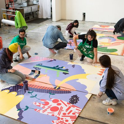 Diversity Studies students working on the Engage Mural Project