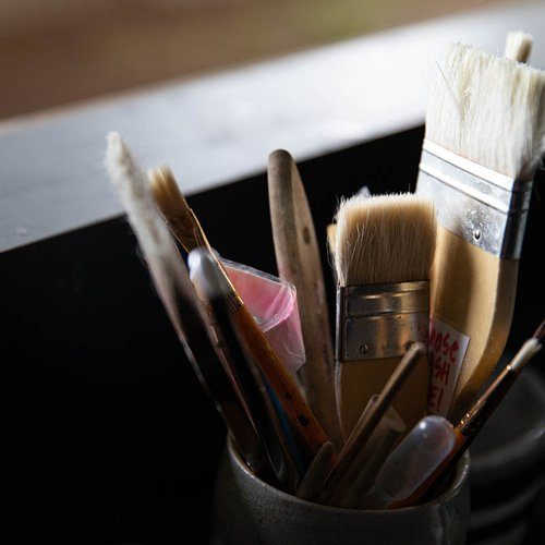 Artist brushes come in many shapes and sizes to help you realize your painterly vision.