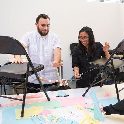 Juan Carlos Rodriguez Rivera working with students in Decolonization & Design course in 2020.