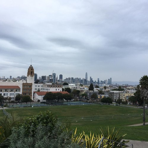 Dolores Park, San Francisco, CA, December 25, 2020. By Connie Jeung-Mills, staff.