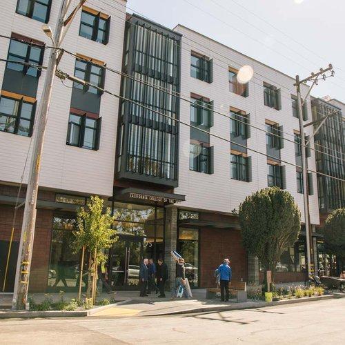 housing-dining_blattner-hall_2020_gallery_0020_np.jpg