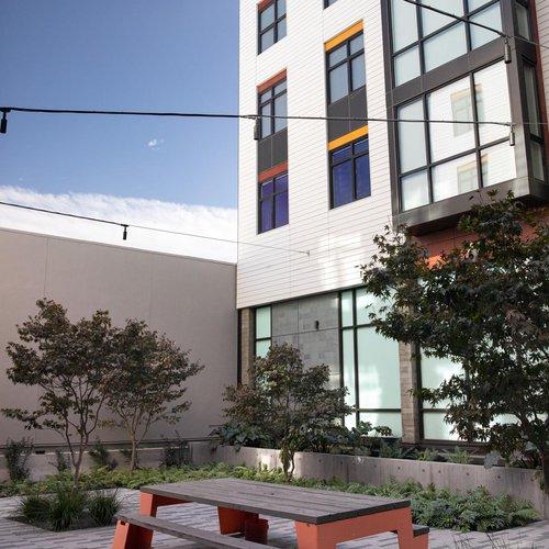 housing-dining_blattner-hall_2020_gallery_0013_np.jpg